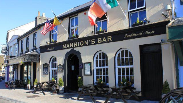 Mannions Bar